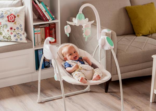 Leżaczek – bujaczek a rozwój dziecka.