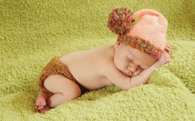 Wzorzec pchania a wzorzec ciągnięcia u niemowlaka.